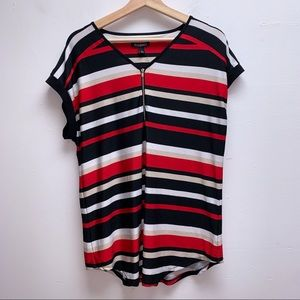 Roz & Ali black/white/red top with front zip
